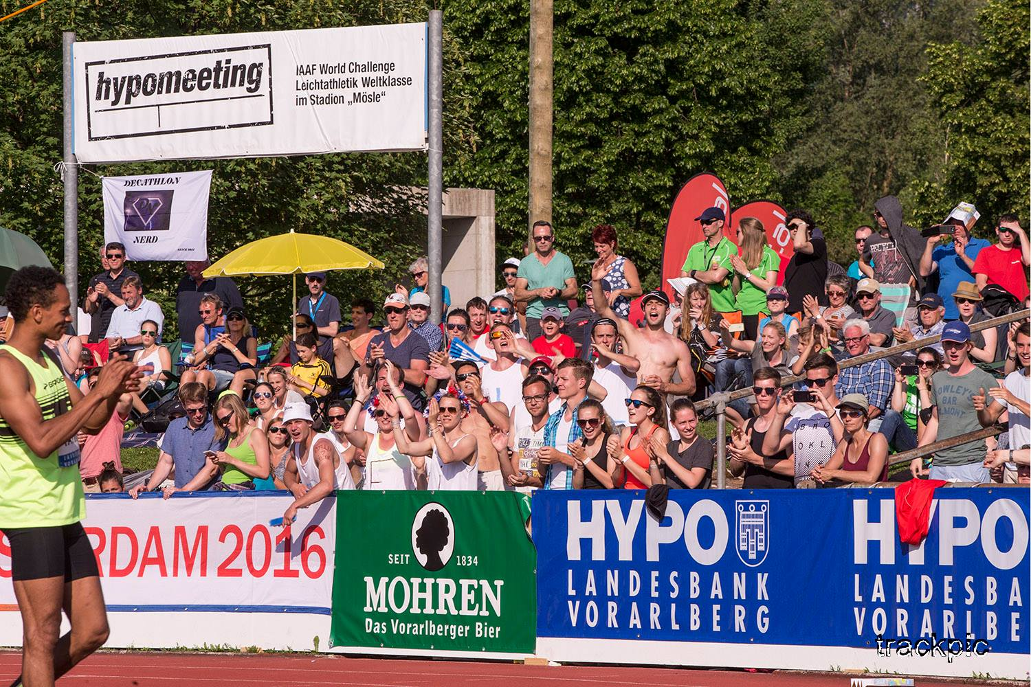 Audience of Götzis going crazy when Jeremy Taiwo had cleared 2.18m and was attempting 2.24m. Photo by Olavi Kaljunen / trackpic.net