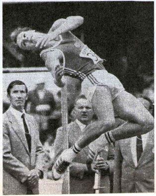 Uwe Freimuth exceeding the hight 2.01 m